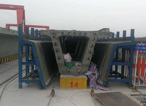鞍山异形钢模板厂家-箱梁钢模板安装